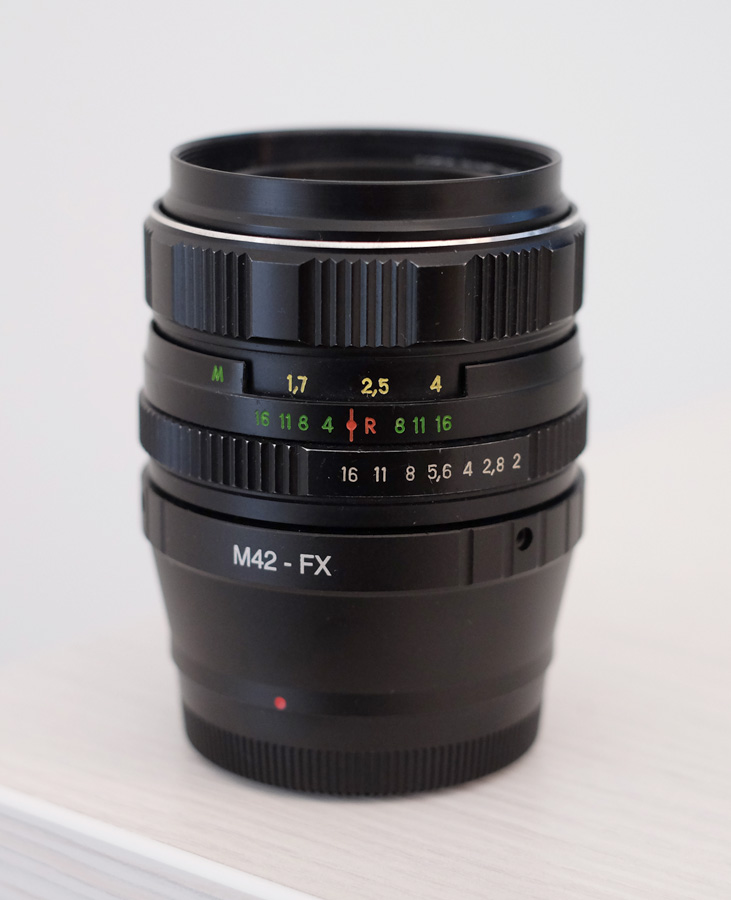 Helios 58mm f2 vintage lens with M42-FX adapter