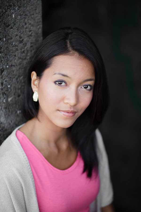 Portrait of an Asian woman made with 85mm prime lens at a wide aperture