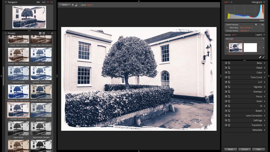 Exposure X5 black and white screenshot